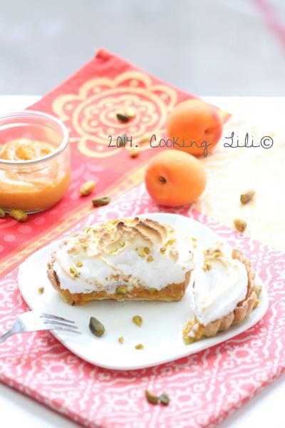 Tarte aux abricots et pistache meringuée