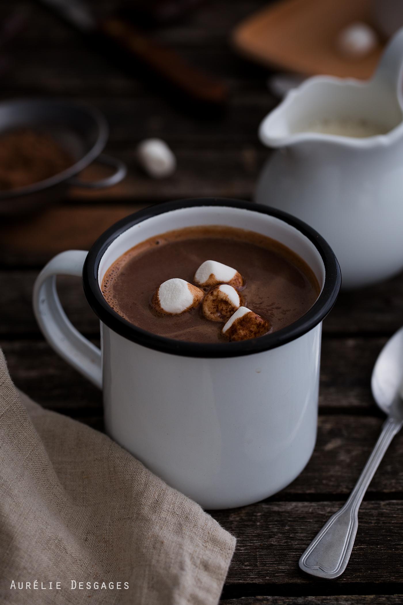 cooking lili chocolat chaud au lait d amandes sans lactose. Black Bedroom Furniture Sets. Home Design Ideas
