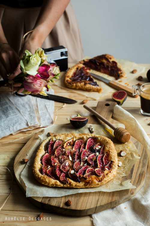 cooking lili tarte feuillet e aux figues et amandes. Black Bedroom Furniture Sets. Home Design Ideas